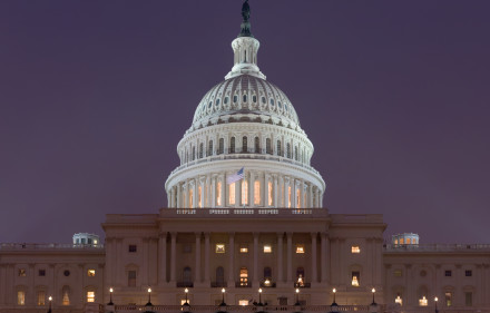 US_Capitol_Building_at_night_Jan_2006