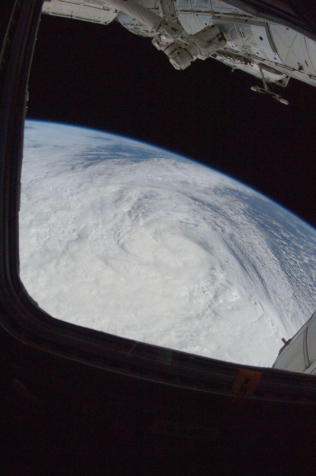 hurricane sandy from space station - photo #4