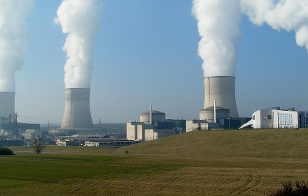 Nuclear power plant in Cattenom, France (by Stefan Kühn, Creative Commons License)