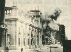 Chilean Armed Forces bomb the Presidential Palace during the 1793 coup.  Source: Wikipedia Commons  Creative Commons license