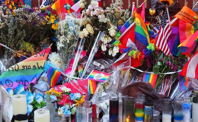 800px-Stonewall_Inn_Pulse_memorial_detail_1[1]